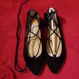 Adorable Steve Madden ankle tie Eleanor Shoes.